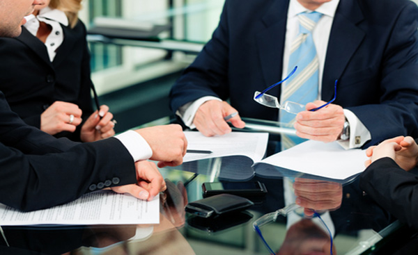 Why Hire a Commercial Litigation Lawyer?